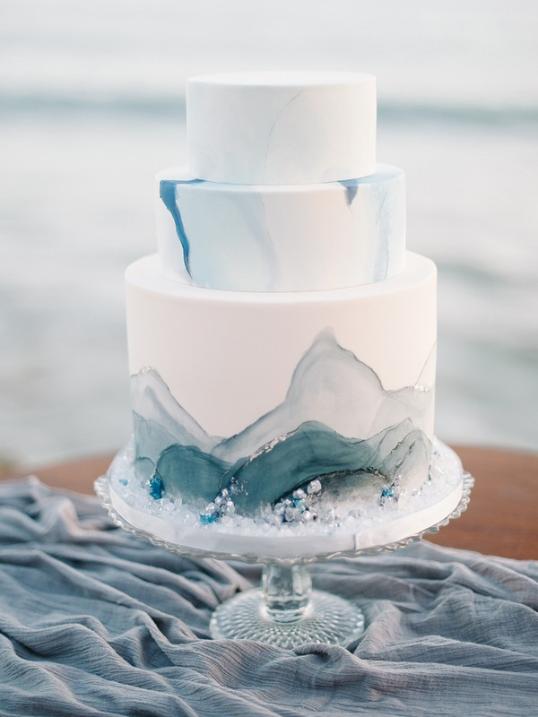 shades of blue wedding cakes