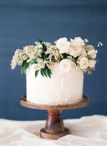 boho stylish one tier wedding cake