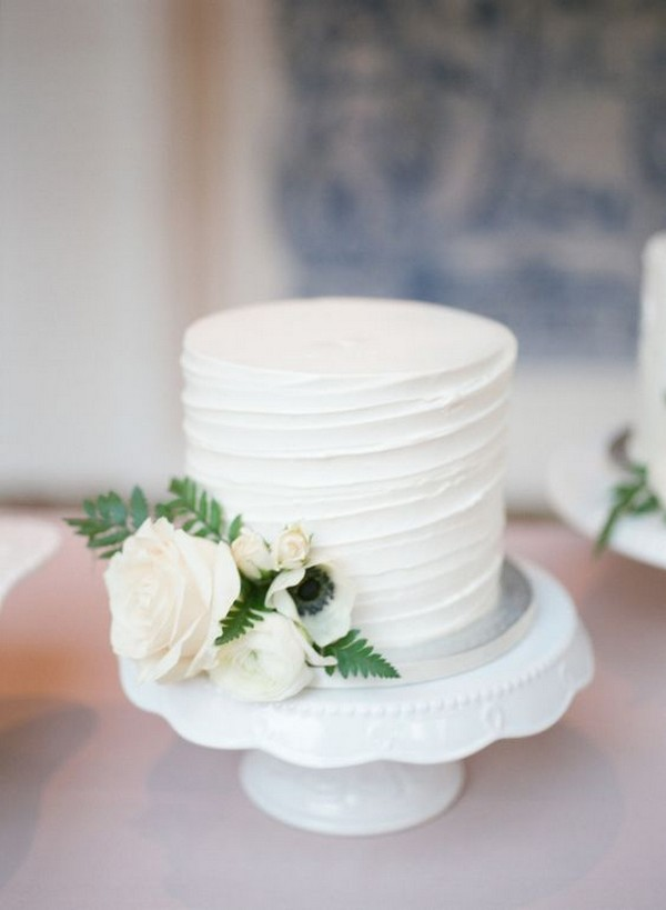 elegant white and green one tier wedding cake