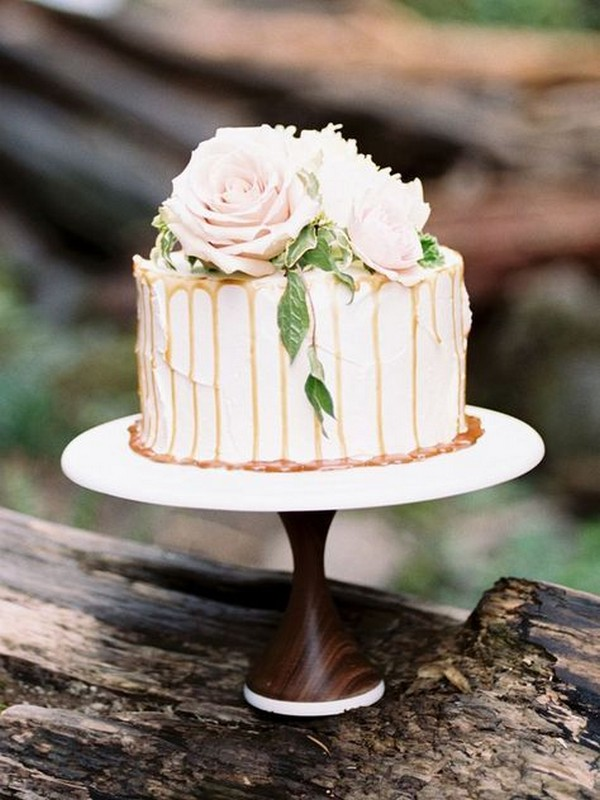 one tier dripped wedding cake