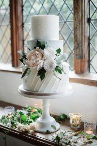 pink and white elegant wedding cake