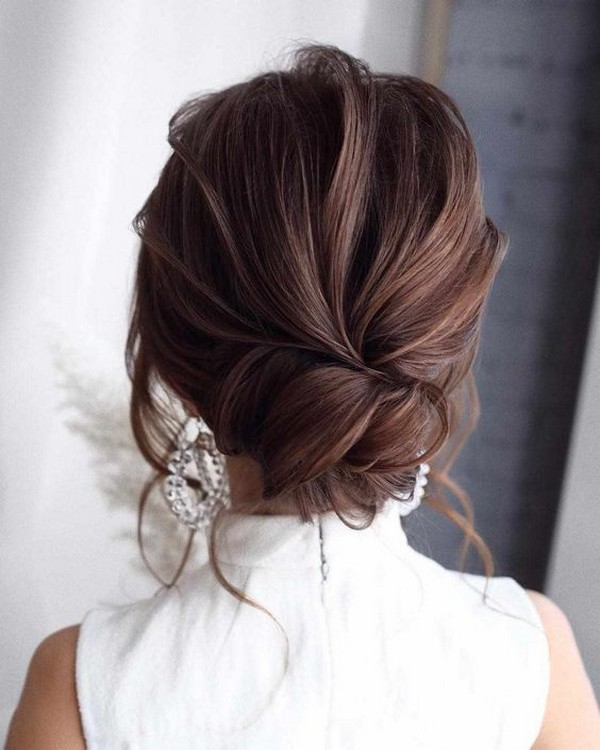 pretty bridal hairstyle updo
