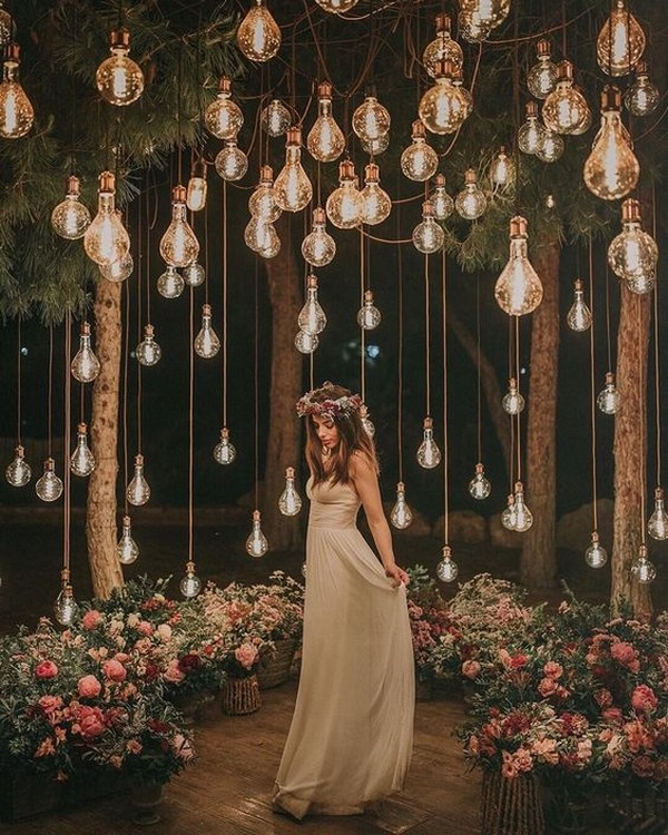 romantic wedding ideas with hanging bulbs