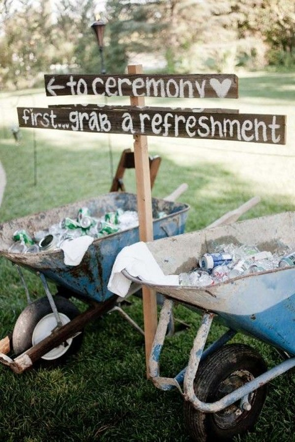 summer outdoor wedding ideas with drinks