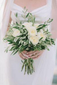 white and greenery elegant wedding bouquet