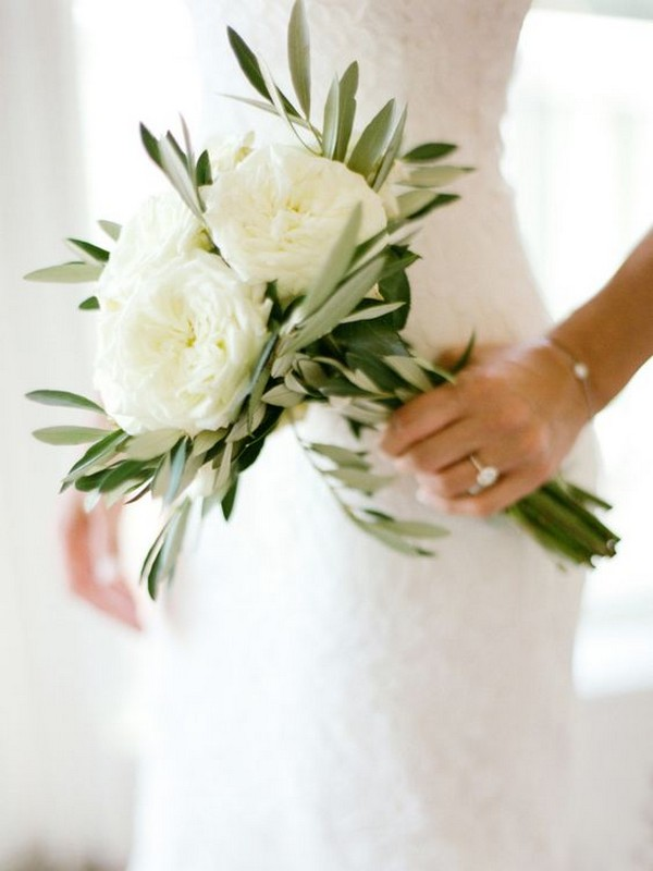 white and greenery minimalist wedding bouquet