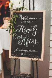 chic chalkboard wedding welcome sign ideas