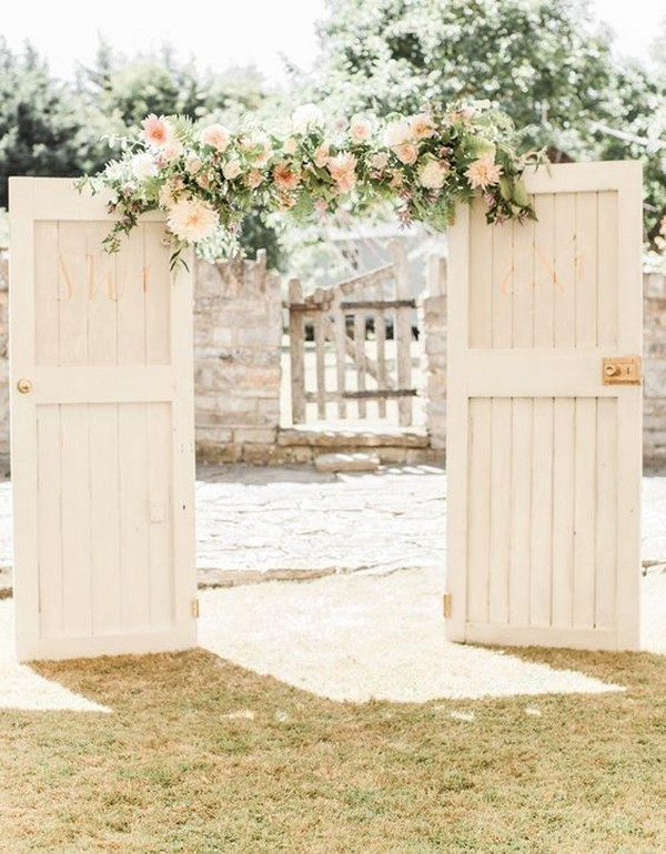 chic rustic outdoor wedding ceremony entrance ideas