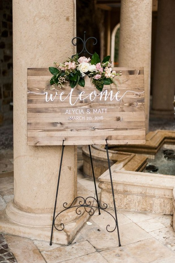 chic wood wedding welcome sign