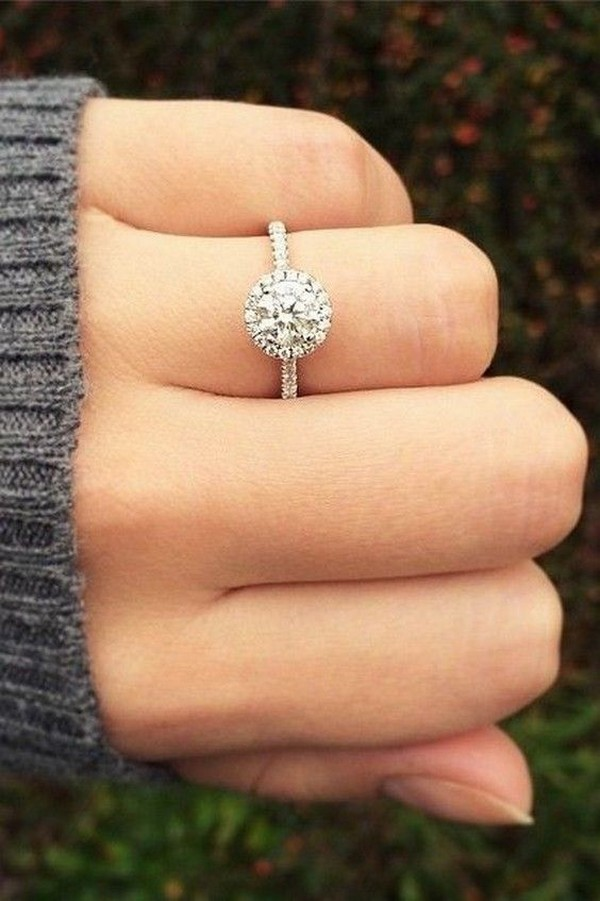 elegant round diamond wedding engagement ring