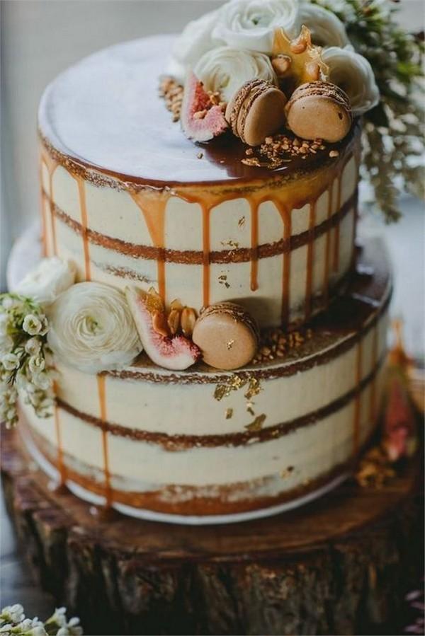 fall rustic wedding cake with Macarons