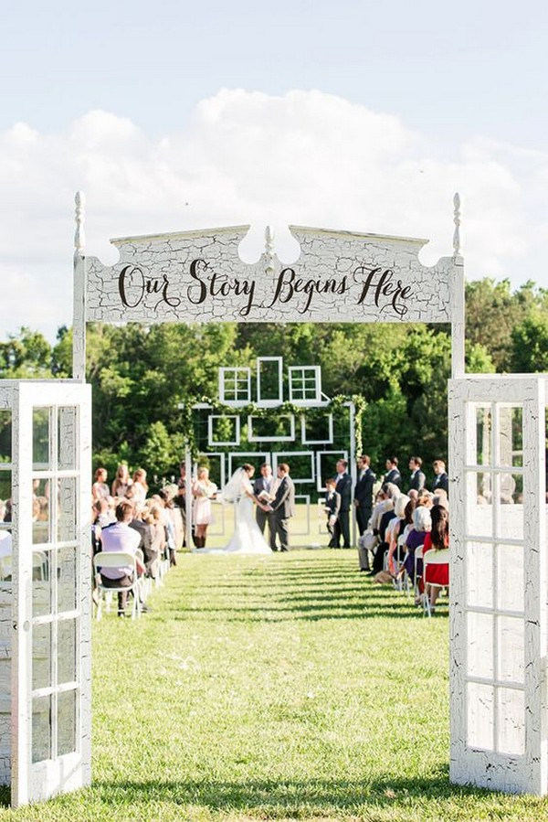 old door inspired outdoor wedding ceremony decoration ideas