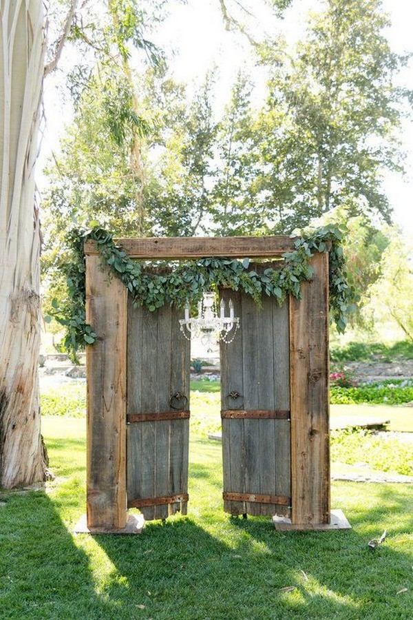 outdoor rustic wedding entrance ideas