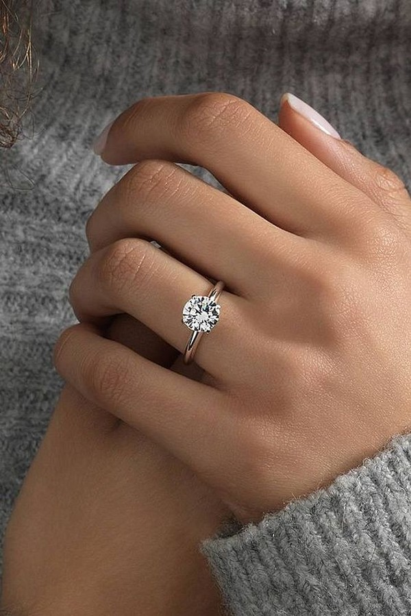 pretty round diamond wedding engagement ring