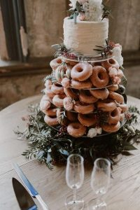 trending donuts fall wedding cake ideas