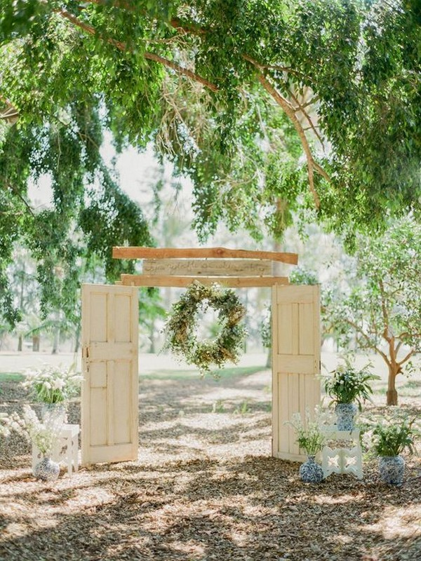 vintage door wedding ceremony entrance