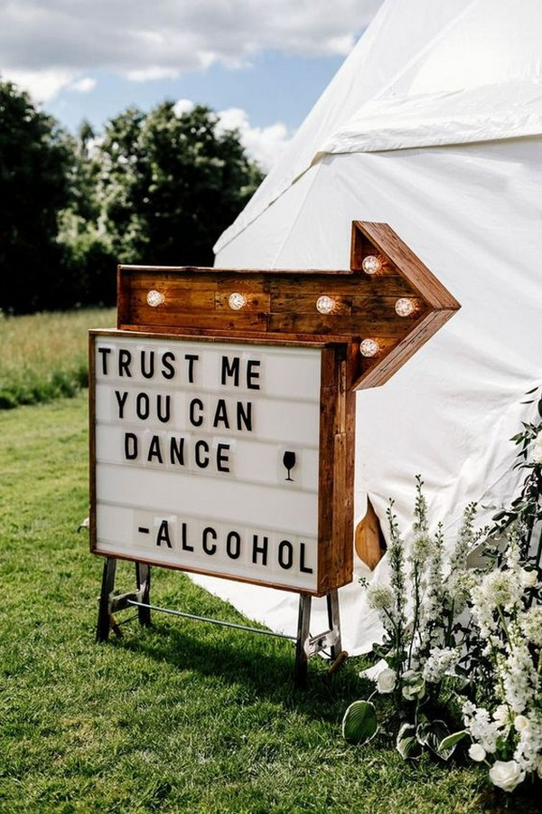 outdoor tented wedding sign ideas