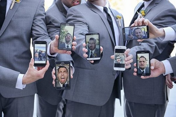 creative groomsmen photo ideas