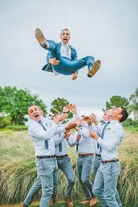 funny wedding photo ideas for groomsmen