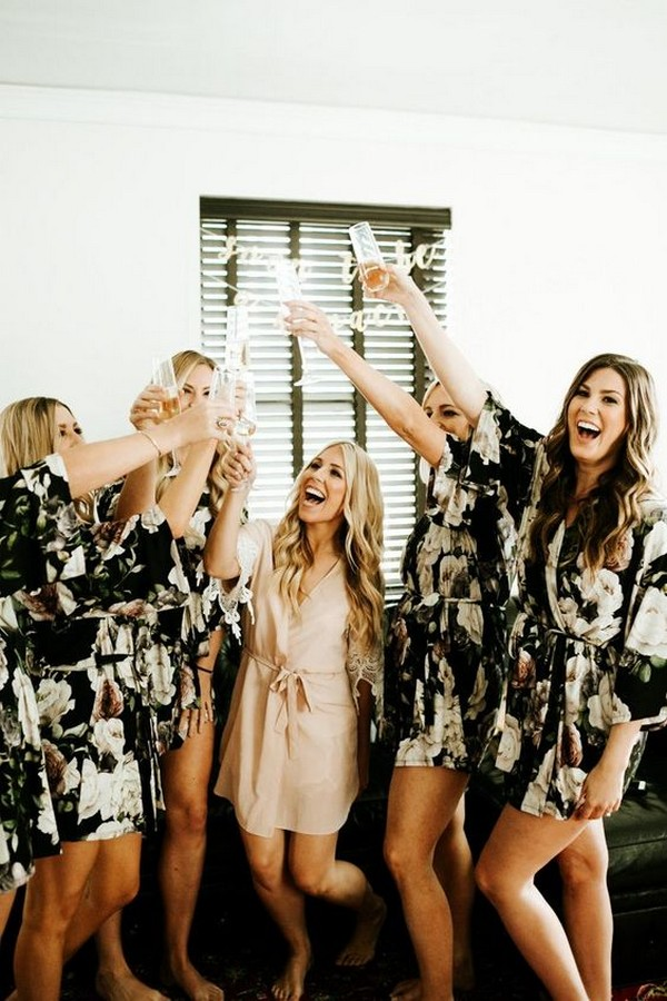 getting ready wedding photo ideas with matching robes