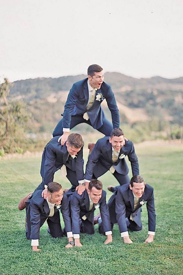 groomsmen photo ideas for wedding