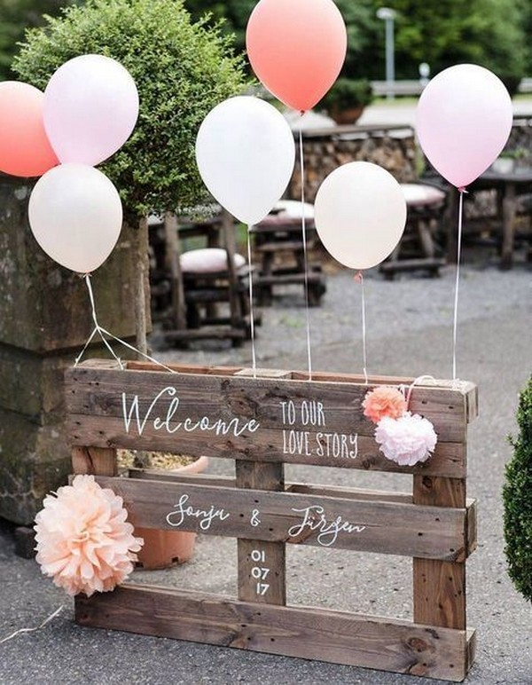 rustic wedding sign ideas with balloons