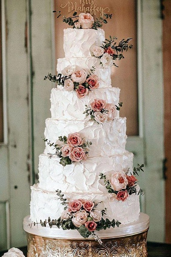 vintage wedding cake ideas with floral
