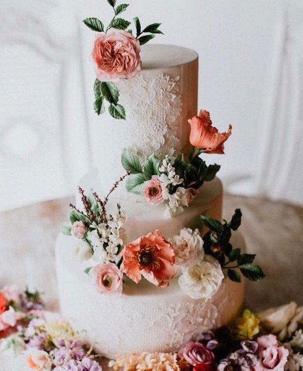 vintage wedding cake with gorgeous details
