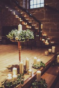 winter wedding decoration ideas with candles