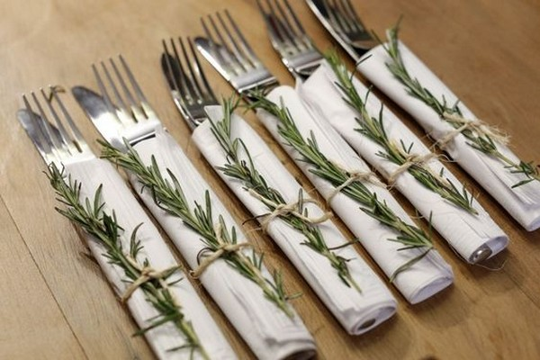winter wedding place settings