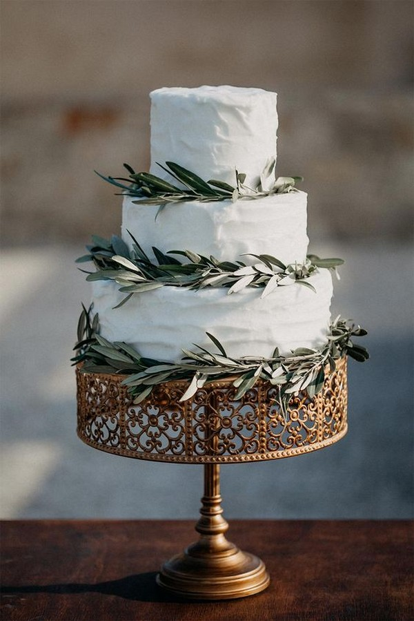 chic simple vintage wedding cake