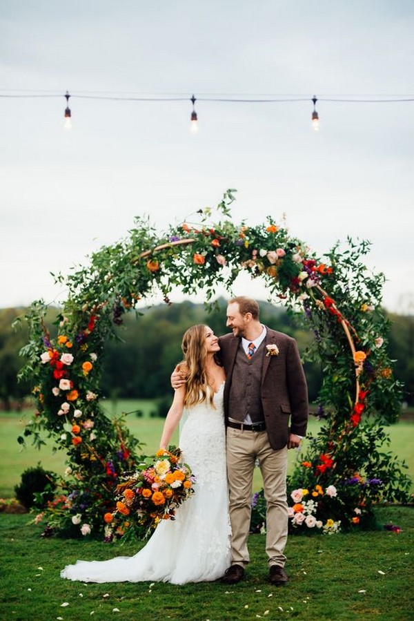 circle round wedding arch ideas for fall