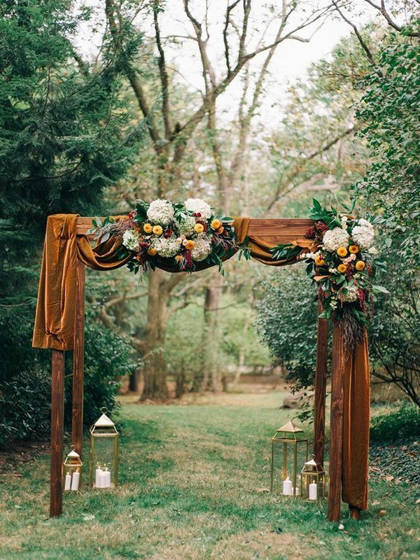 outdoor fall wedding ceremony arch ideas