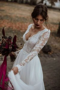 vintage lace wedding dress with long sleeves