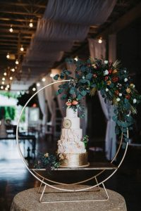 wedding cake ideas with floral hoop stand