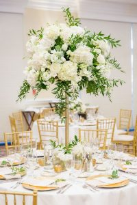 white and green tall wedding centerpiece ideas