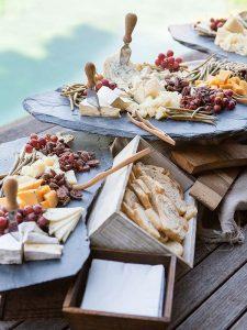 DIY outdoor wedding food station ideas