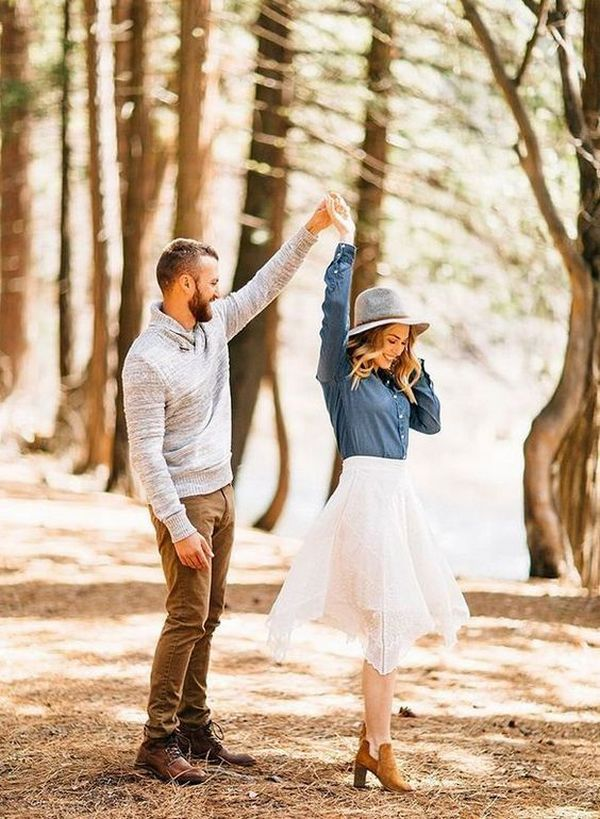 country fall wedding engagement photo ideas