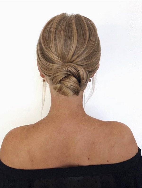gorgeous updo bridal hairstyle