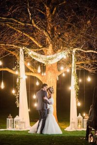 night wedding backdrop ideas with lights