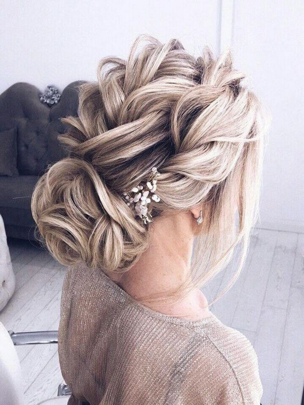 pretty trenza wedding hairstyle