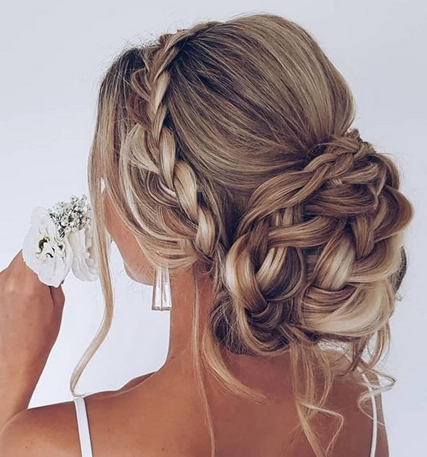 romantic updo trenza wedding hairstyle