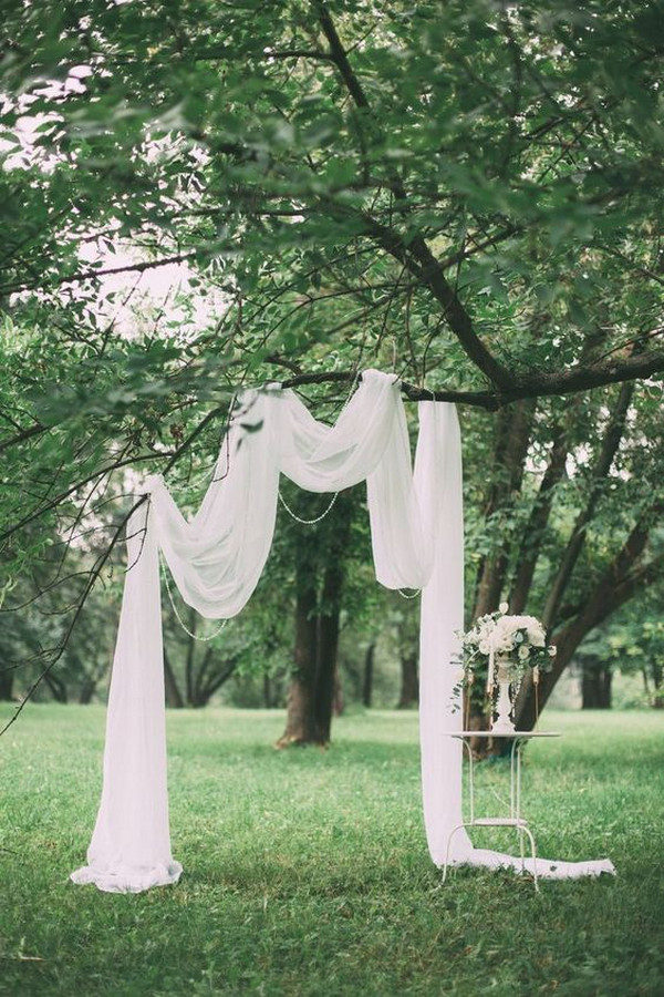 simple chic wedding arch ideas