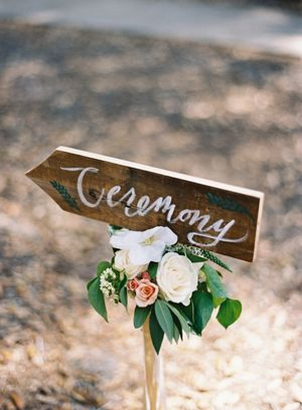 simple chic wedding sign ideas