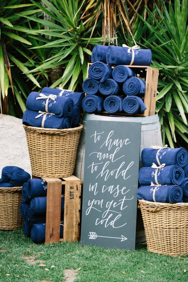 wedding blankets favor ideas for fall and winter weddings