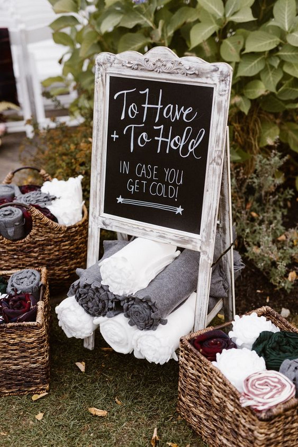 winter wedding blankets for guests diaplay ideas