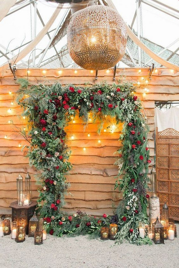 Christmas themed winter wedding backdrop decoration ideas