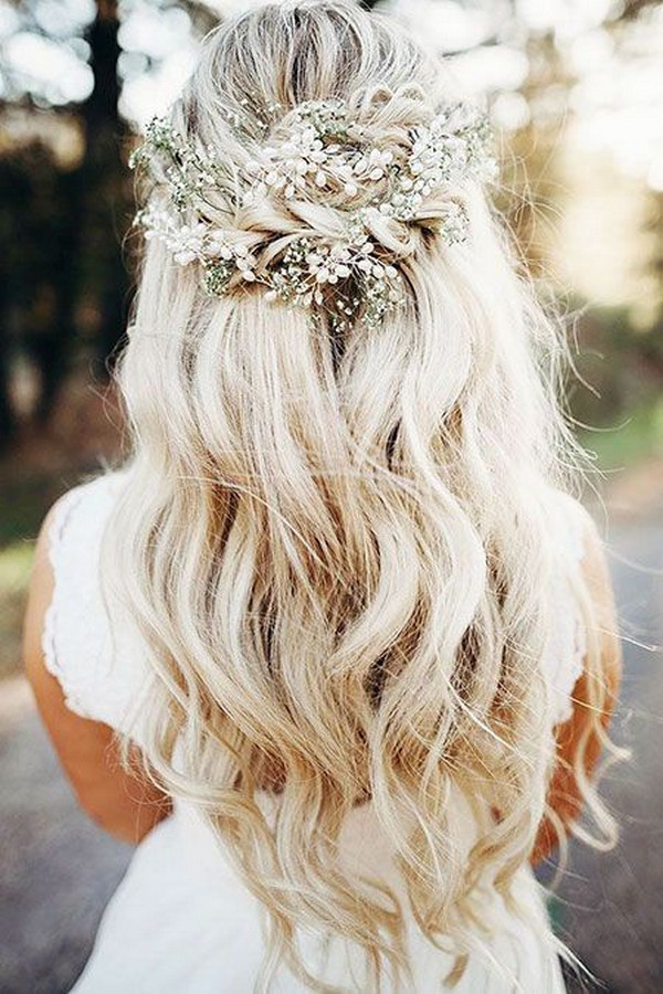 boho wedding hairstyle with baby's breath