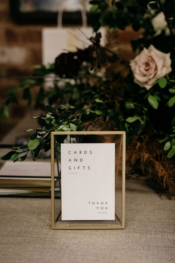 minimalist simple wedding sign ideas