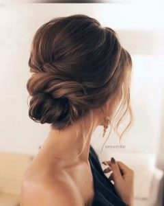 simple chic updo wedding hairstyle